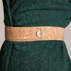 Gürtel aus Kork, Korkstoff mit Knopf zum Wickeln beige holzoptik - SinWeaver alternative fashion