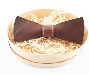Herrenfliege aus braunem Leder, ein außergewöhnlicher Blickfang Nr.I - Süßstoff