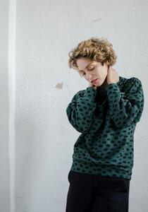 Grüner Sweater Kana mit Tupfen - ManduTrap