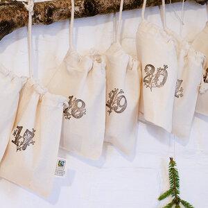 Adventskalender mit 24 Baumwollsäckchen - STUDIO KARAMELO