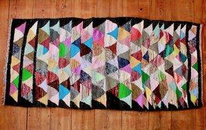 Handgewebter Berber Teppich aus recyceltem Materialmix 'Boucherite' - LaMalve