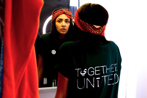 "Shirt ""together united"" - bayti hier"