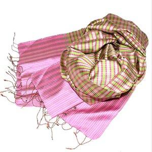 BESSY Edler Schal aus handgewebter Seide - Schönes aus Indochina