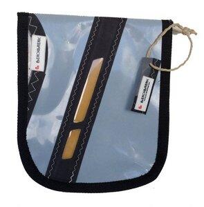 Tablet-Tasche mit abgerundeten Ecken hergestellt aus einem Surfsegel - Beachbreak