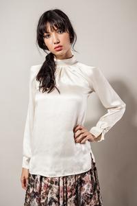 Damenbluse Seide weiß creme Satin - SinWeaver alternative fashion