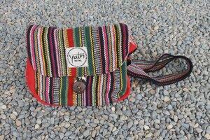 Handtasche, hochwertig und von Hand hergestellt - Yatri