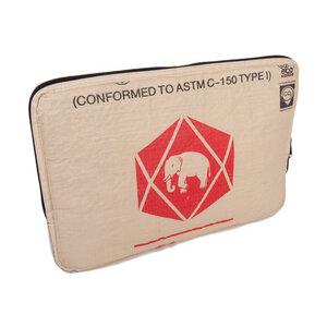 "Laptophülle Sleeve 17"" (43 x 30 cm) aus Zement-/ Fischfutter-/ Reissack - Upcycling Deluxe"