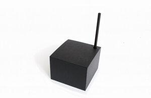 Notizblock Würfel, schwarzes oder weißes Papier+ schwarzer Bleistift - tyyp