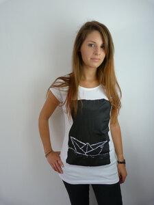 Paperboat 2.0 Organic + Fair Raglan Shirt  - ilovemixtapes