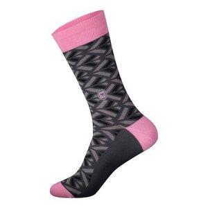 Socken, die Prävention von Brustkrebs fördern - Conscious Step