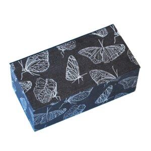 Taschentuchbox mit Schmetterlingspapier bezogen - Biostoffe Berlin by Julie Cocon