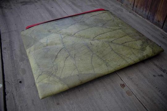 Tropfenverschiffen detaillierter Blick neueste Kollektion Laptop Hülle aus Blättern 13-14 Zoll/ inch Vegan, wasserabweisend Grün