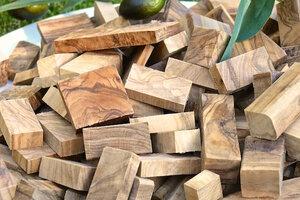 Räucherholz aus Olivenholz - Olivenholz erleben