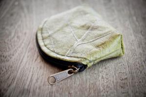 Portemonnaie, Geldbörse aus laminierten Blättern - BY COPALA