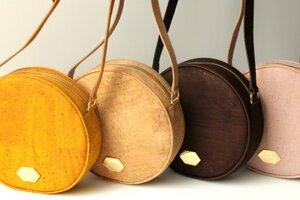 Circle Bag - Handtasche aus Kork (in Rosa, Gelb, Natur, Schwarz oder Braun) - MATES OF NATURE