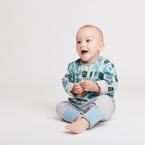 """Gefüttertes Babyjäckchen """"Monsters"""" aus Bio-Baumwolle - Cheeky Apple"""