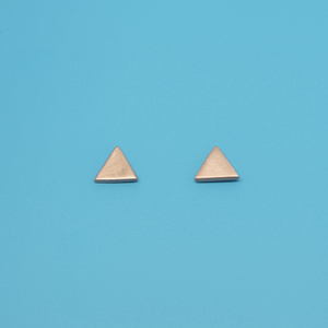 Ohrstecker 'satin triangle' - fejn jewelry