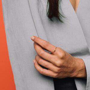 Ring 'black curved' - fejn jewelry