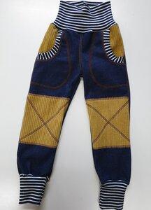 Mitwachs-Jeans blau mit Taschen und ockerfarbenen Cordflicken - Omilich
