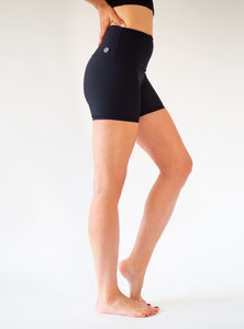 Yoga Shorts BLACK SUN  - Arctic Flamingo