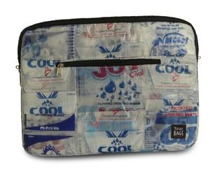 """Laptophülle """"Wasserbett"""" - aus Wasserpäckchen - Trashy Bags"""