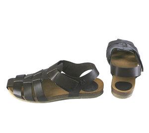 flache Sandale im klassischen Stil - Jonnys
