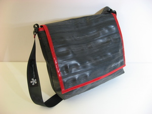"Schlauchtasche ""XL"" aus recyceltem Fahrradschlauch - heidenspass"