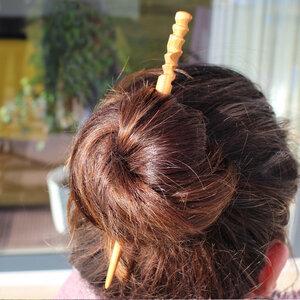 Haarschmuck aus Holz Spirale | Haarstab - Mitienda Shop