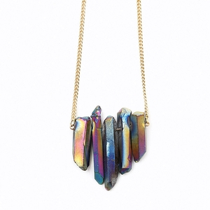 Regenbogenquarz Collier mit vergoldeter Panzerkette - Crystal and Sage