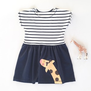 T-Shirt Kleid mit Giraffen-Applikation für Mädchen  - internaht