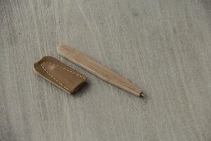 Stift aus Holz mit Lederhülle, handgefertigt - BY COPALA