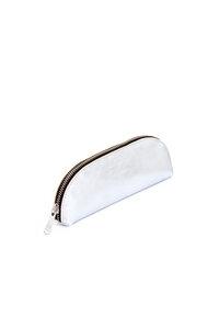 Brillen- und Stiftetui aus Leder von ElektroPulli  - ELEKTROPULLI