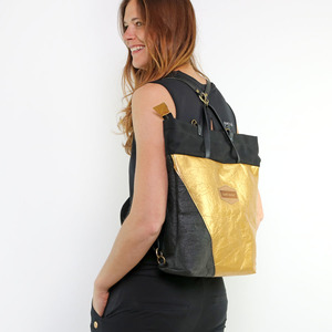 JANE Allrounder Piñatex, Black & Gold - Gary Mash