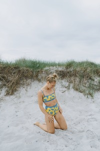 Bikini Slip Biarritz - Reversible Surf Bikini – Paper Cut / Surf Blue - boochen