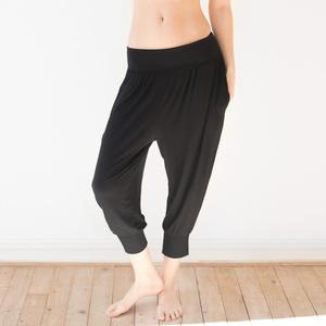 ella - Yogahose aus 90% modal und 10% elastan - erlich textil