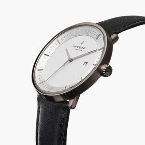 Armbanduhr Philosopher Gun Metal - Italienisches Lederarmband - Nordgreen Copenhagen