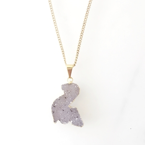 Dino Halskette mit glitzernder Kristalldruse aus Achat, vergoldet - Crystal and Sage