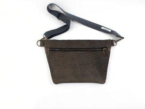 Flache Gürteltasche / Crossbodybag aus Leder mit  - Süßstoff