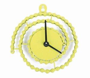 Uhr aus recycelter Fahrradkette - El Puente