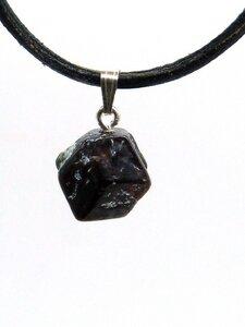 Granat aus Österreich, Edelstein - Schmuckanhänger, mit Silberöse - OneWorldMinerals