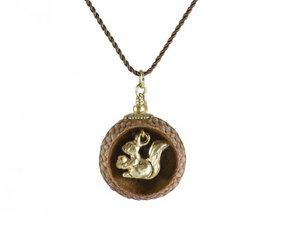Holzschmuck Eichelhut Halskette Eichhörnchen Gold mit Nylonseide - Zimelie