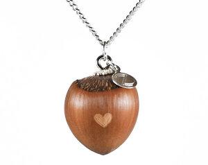 Haselnuss Herzkette mit kleiner Herzgravur Silber - Zimelie