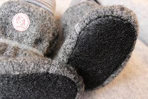 Rutschfeste Sohle aus Natur-Latex für Schurwoll-Stiefelchen von grims - grims