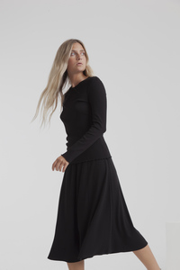 Midi Rock - black mae long rib skirt - thinking mu