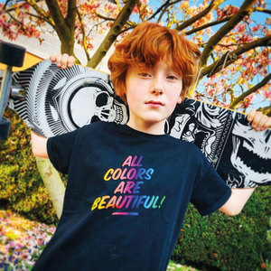 """""""All Colors are Beautiful"""" relaxed T-Shirt (Bio-Baumwolle, kbA) - Manitober"""