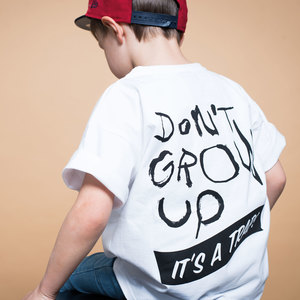 """Don't grow up"" relaxed T-Shirt (Bio-Baumwolle, kbA) - Manitober"