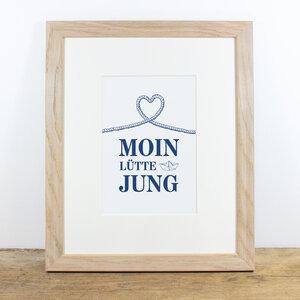 Bild mit Echtholzrahmen - Moin lütte Jung - Bow & Hummingbird