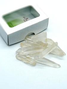 Bergkristall Spitzen Wassersteine in Pappschachtel - quintESSENCE  - OneWorldMinerals