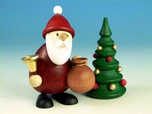 Weihnachtsmann modern stehend mit Glocke, Sack & Baum - aus dem Erzgebirge - Ullrich Neuhausen