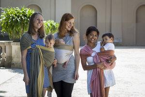 Ring Sling Babytragetuch - 100% Vegan, Bio-Baumwolle und pflanzlichen Farben - Mama Nuka– Dein Babytragetuch